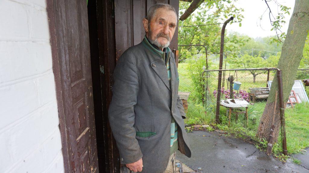 Про музиканта з Черкащини, який втратив слух, але продовжує писати у свої 84 роки