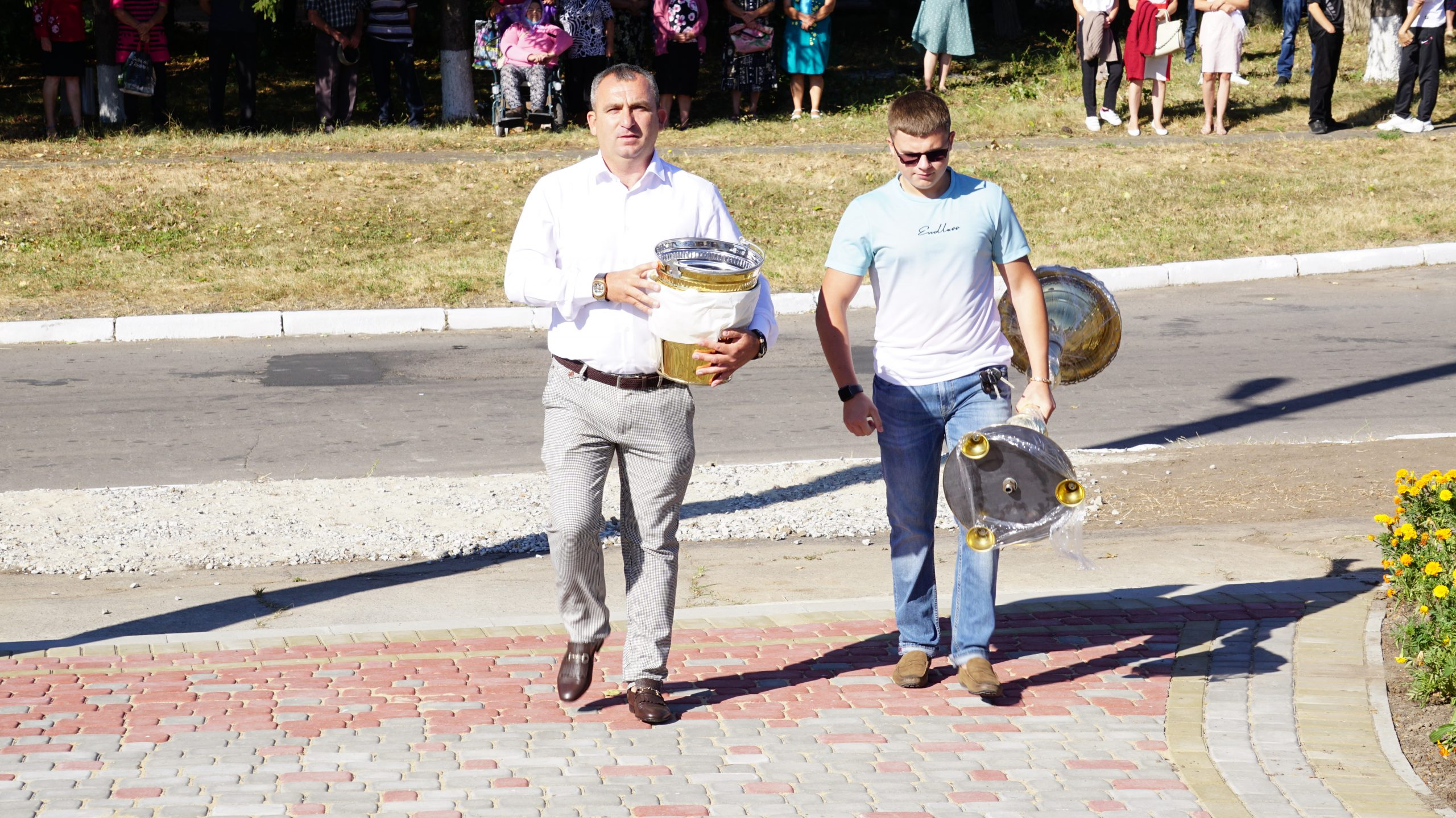 У Зеленькові, що на Тальнівщині, відбулося відкриття та освячення новозбудованого храму Преображення Господнього (Відео)