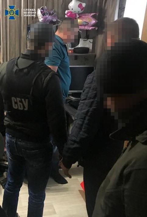 Погрожував підірвати автівку з дітьми: подробиці затримання звенигородського «терориста»
