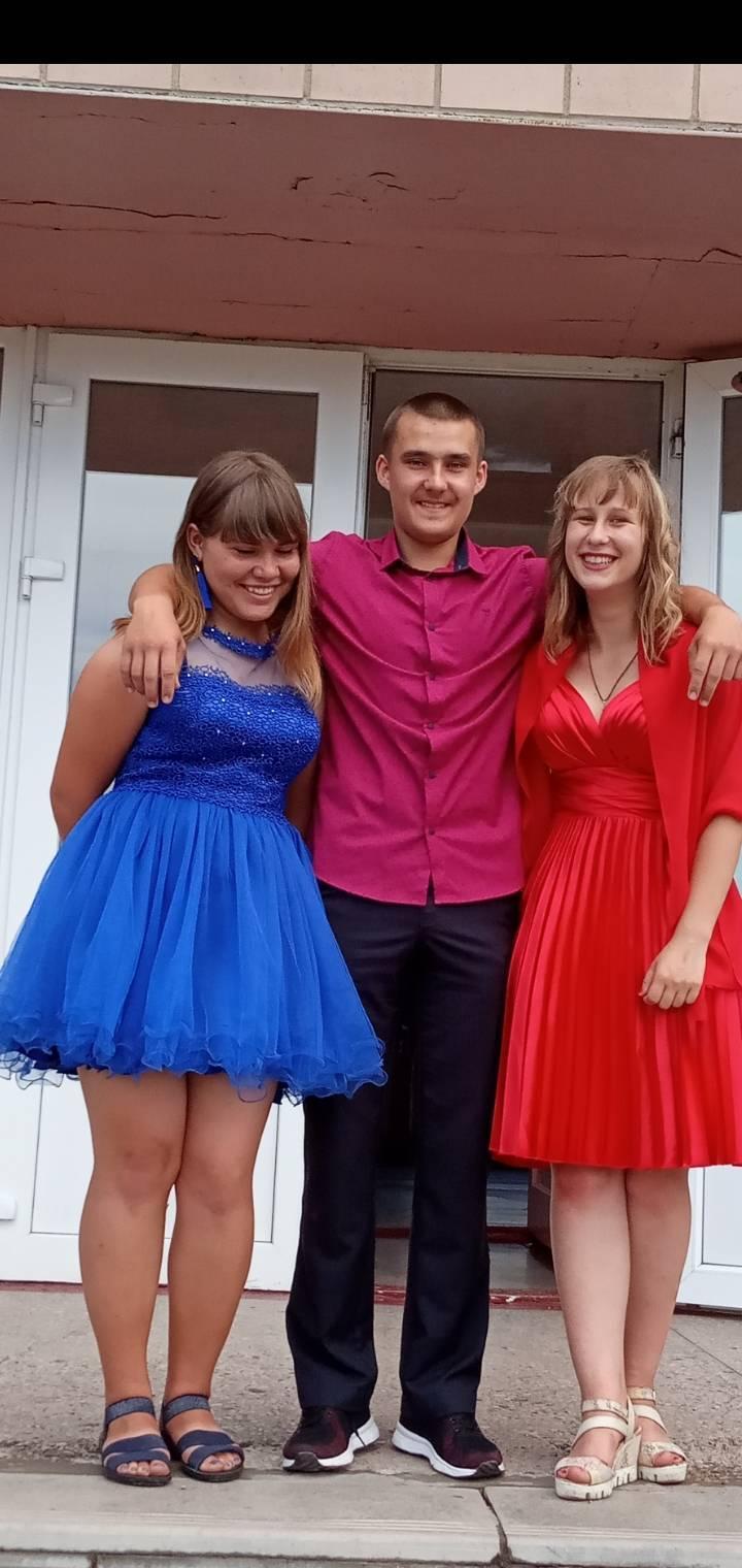 17-річна Настя Ковбун з Тальнівщини потребує допомоги