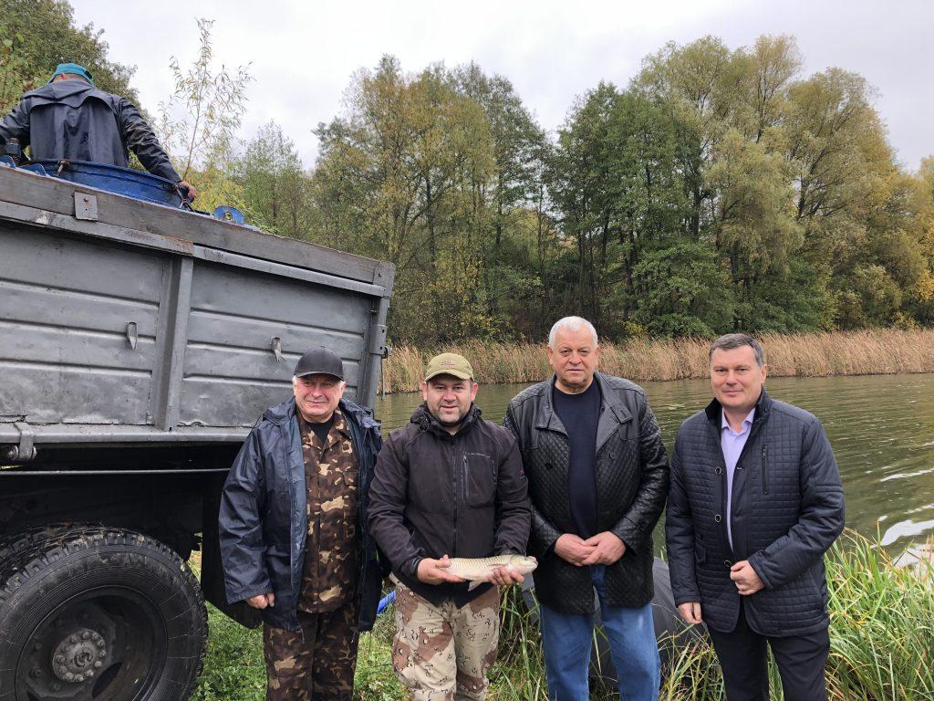 На Звенигородщині у Гнилий Тікич випустили майже 11 тонн малька