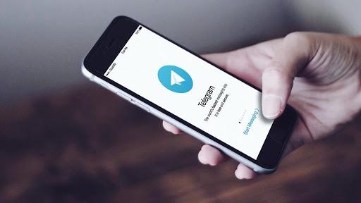 Шахраї у Telegram зливають за гроші персональні дані українців