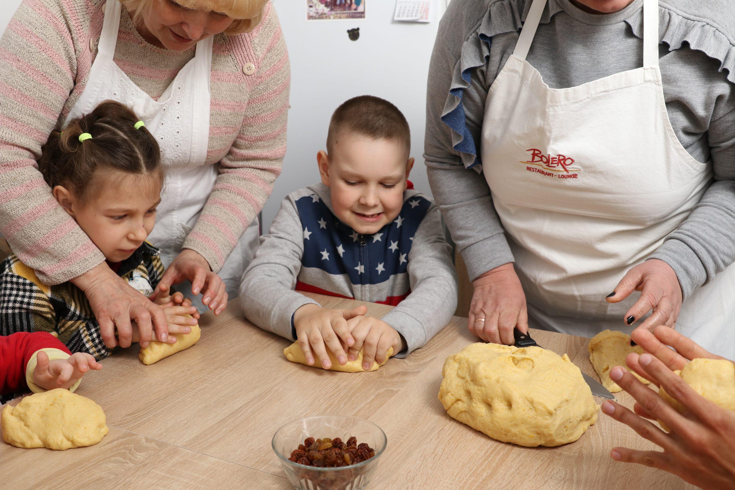 Про те, як у Тальному готувалися до Великодня діти з особливими потребами